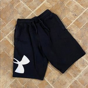 Under Armour sweatpant shorts size kids boys small